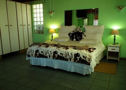 Self catering unit bedroom